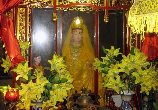 Chuyen la ve hai vi vua danh ho noi danh su Viet-Hinh-4