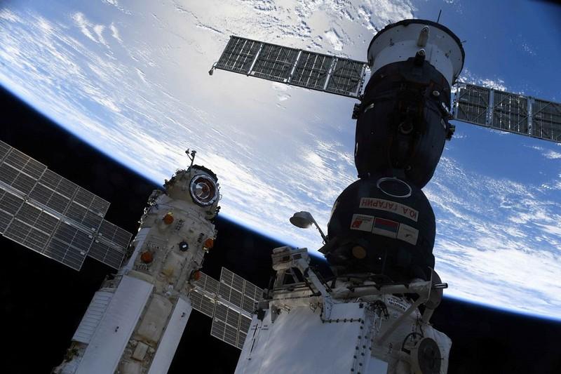Tiet lo chan dong su co tram vu tru ISS lech huong trong tich tac