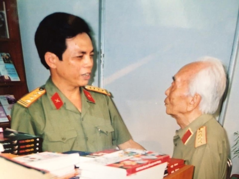 Dau an sau dam cua Dai tuong Vo Nguyen Giap voi Thu vien Quan doi-Hinh-2