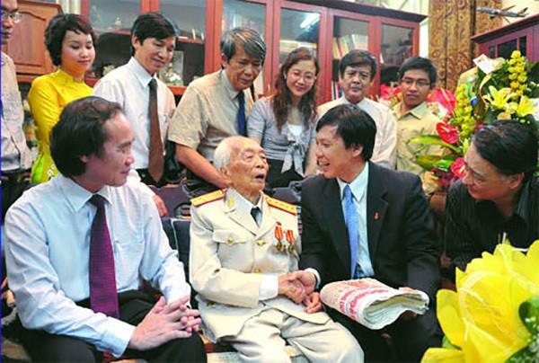 Ky uc dep ve Dai tuong Vo Nguyen Giap - vi tuong cua nhan dan