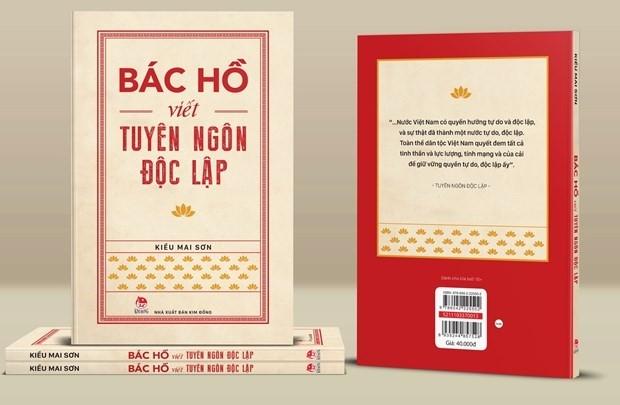 Buc tranh song dong ve boi canh lich su ra doi Tuyen ngon Doc lap