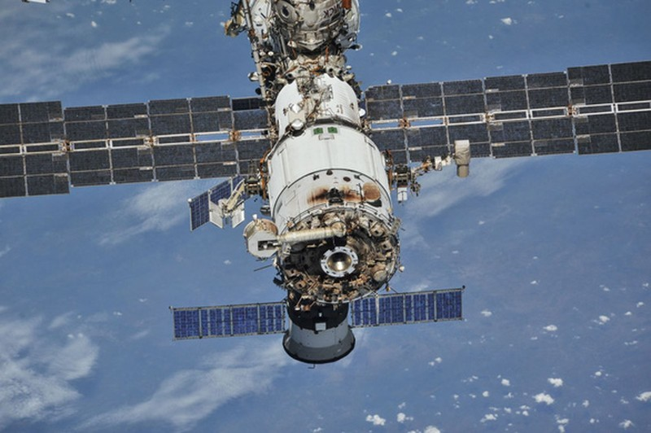 Phat hien vet nut moi tren module cua ISS