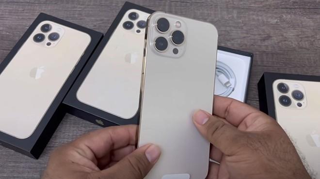 Hot nhat coi mang: Video dap hop dau tien iPhone 13 Pro Max-Hinh-2