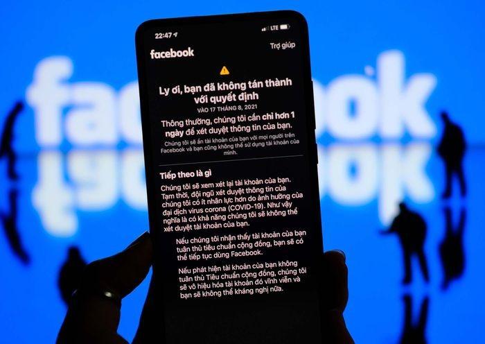 Nhieu tai khoan Facebook o VN bi khoa vinh vien: Lien quan clip nong-Hinh-2
