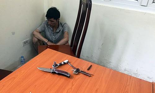 Ten cuop xe may dung dao tan cong CSGT Ha Noi-Hinh-2