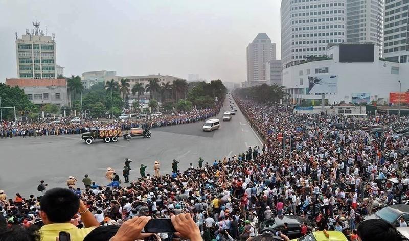 Ha Noi cam nhieu tuyen duong trong Le Quoc tang Chu tich nuoc