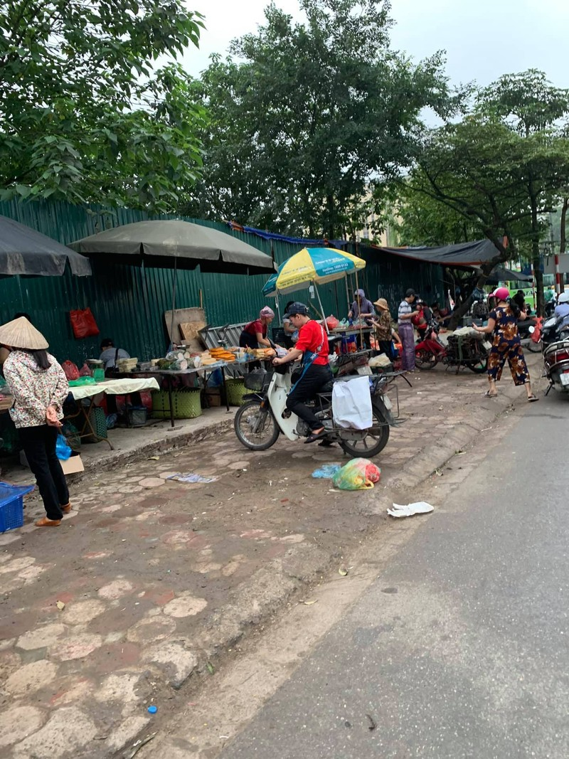 """Chu tich phuong Dich Vong Hau co """"tram"""" duoc cho tam, khong phep?-Hinh-6"""