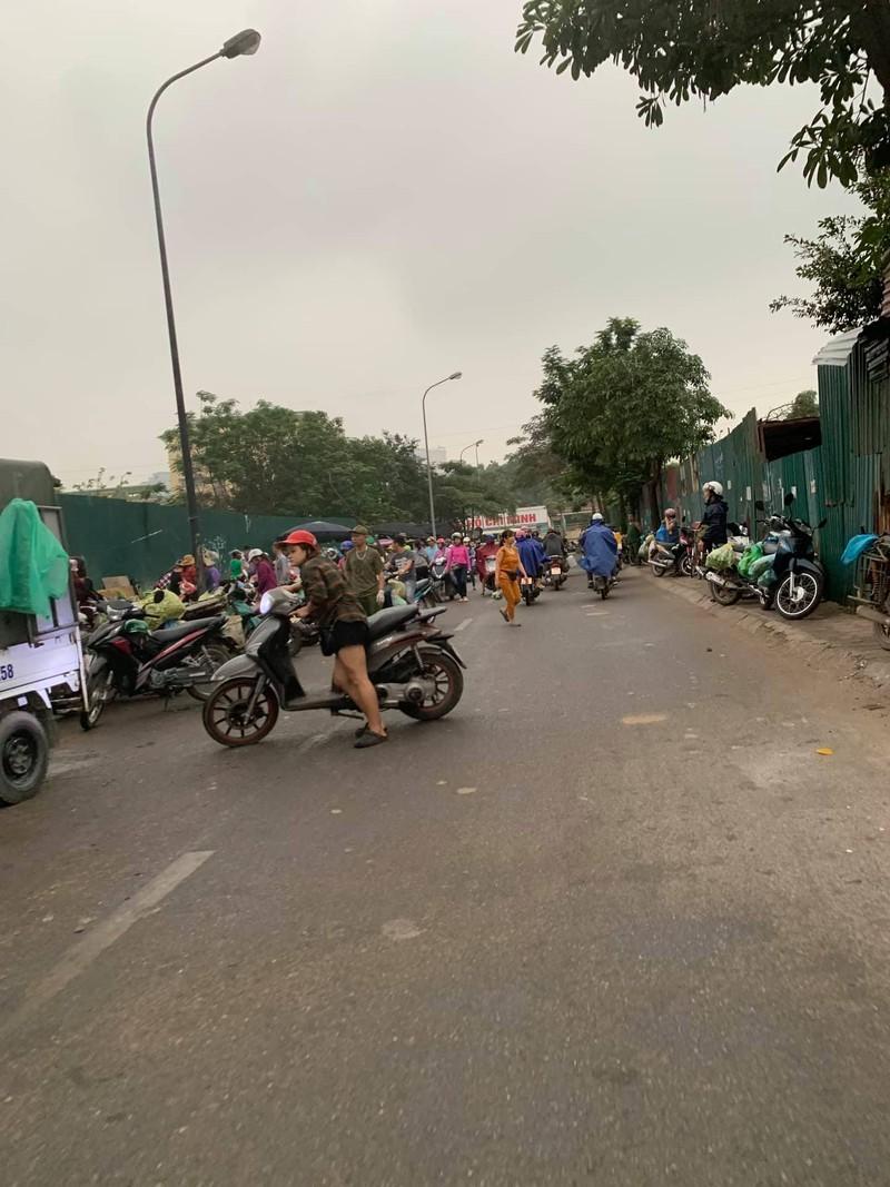 """Chu tich phuong Dich Vong Hau co """"tram"""" duoc cho tam, khong phep?-Hinh-7"""