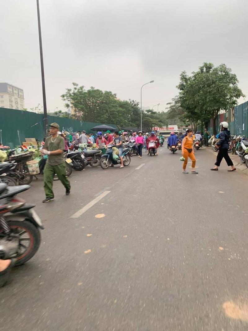"""Chu tich phuong Dich Vong Hau co """"tram"""" duoc cho tam, khong phep?-Hinh-8"""