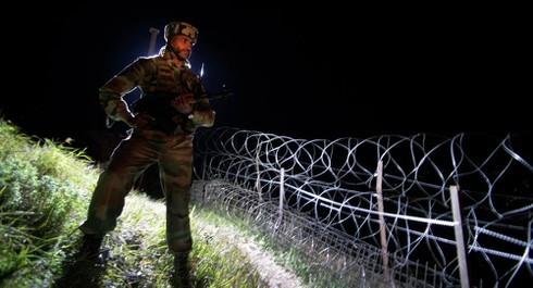 Dau sung du doi o bien gioi An Do - Pakistan, 6 binh si thiet mang