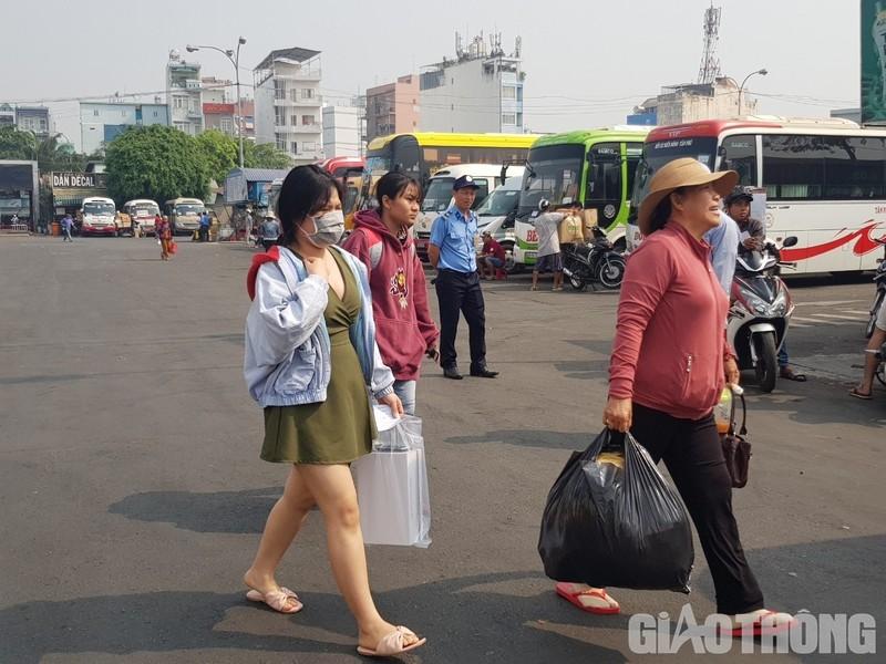 """Hang nghin xe container ken chat xe may, cung """"chon chan"""" tren Xa lo Ha Noi-Hinh-11"""