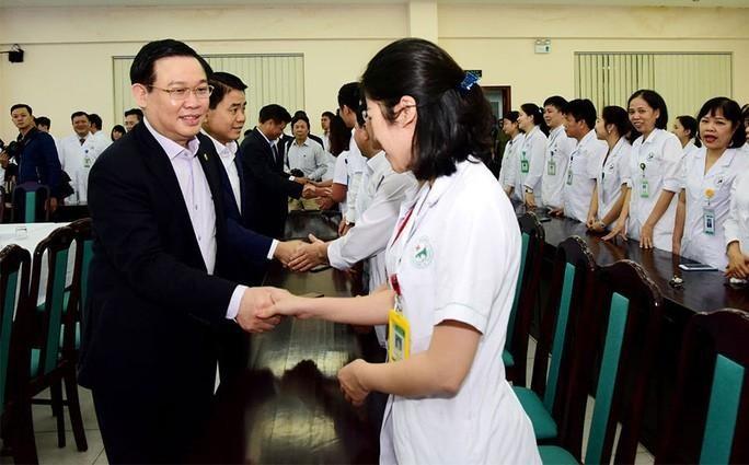 Bi thu Thanh uy Ha Noi Vuong Dinh Hue:
