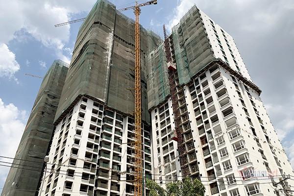 Hoang Phuc Land xin xay them 1 block du an The Western Capital... dan, khach buc xuc