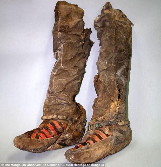 Su that vu xac uop ngan tuoi di giay Adidas sanh dieu?