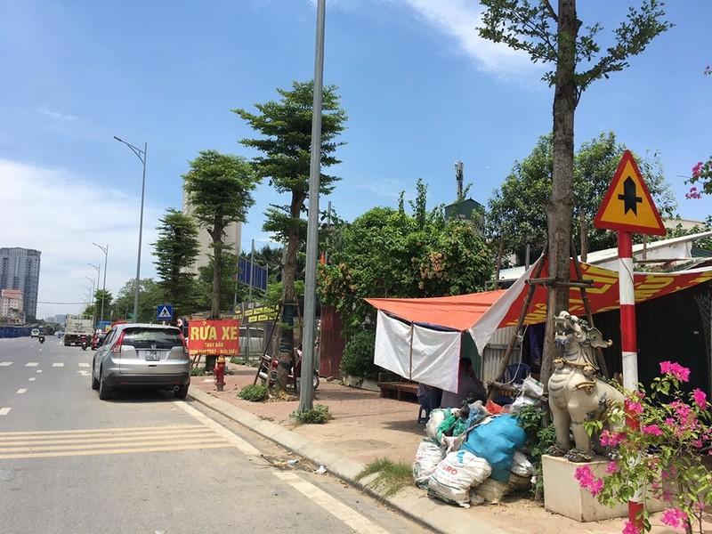 """Phuong Xuan La bat luc truoc """"ma tran"""" cong trinh vi pham tren duong Nguyen Van Huyen keo dai?-Hinh-12"""