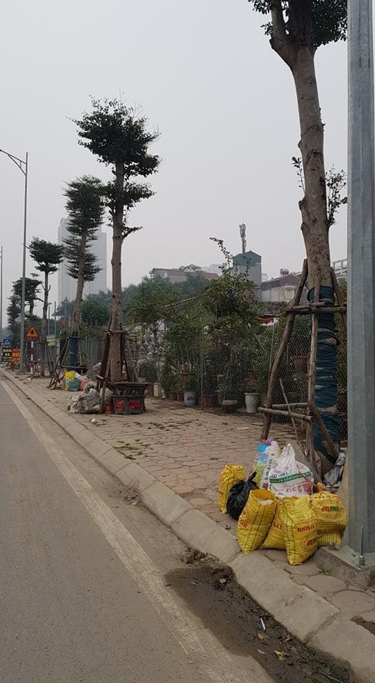 """Phuong Xuan La bat luc truoc """"ma tran"""" cong trinh vi pham tren duong Nguyen Van Huyen keo dai?-Hinh-7"""