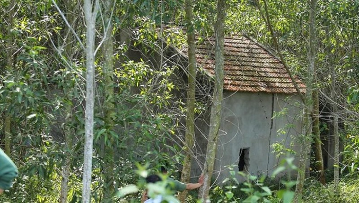 Be trai 5 tuoi tu vong trong nha hoang: Hau qua tro choi bao luc tren mang