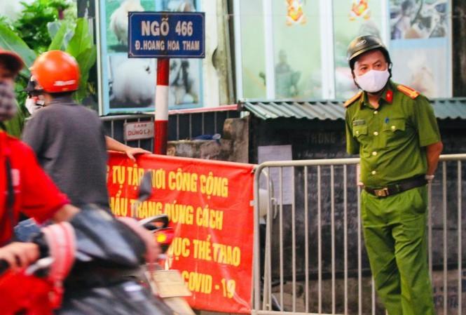 Ly do Ha Noi do phong toa COVID-19 o ngo 466 Hoang Hoa Tham