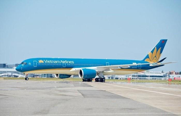 Hanh khach cham lua tren may bay Vietnam Airlines co the bi xu phat ra sao?