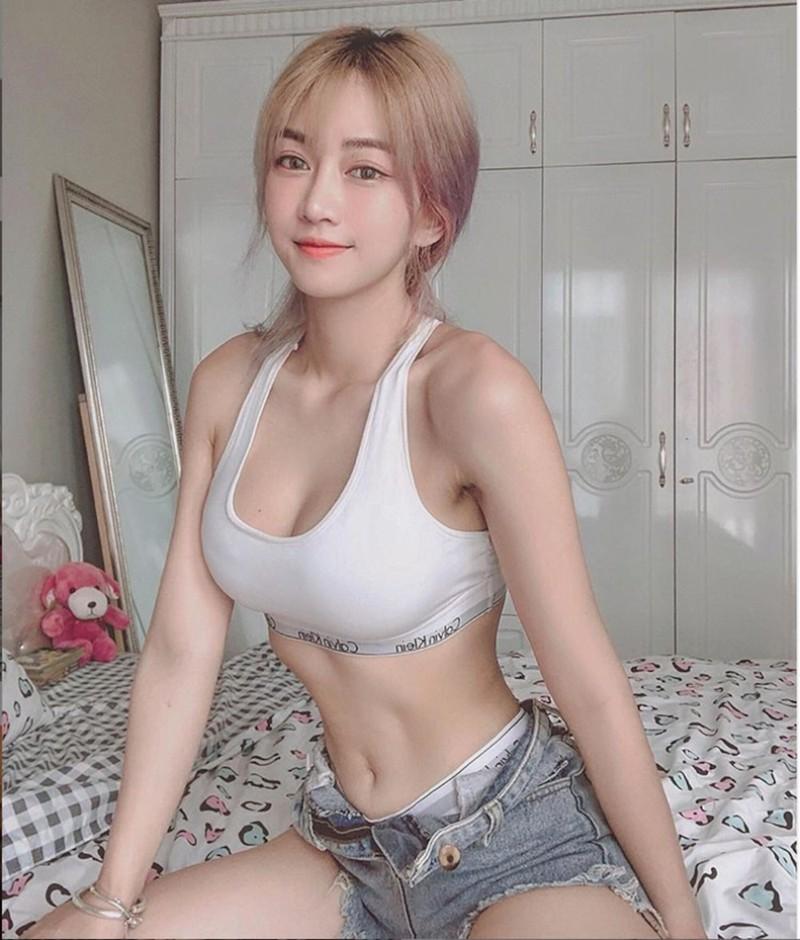 Hot girl TikTok