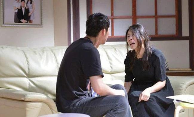 Cuoi 3 nam khong mang bau, vo doc suc cham con rieng cua chong-Hinh-2