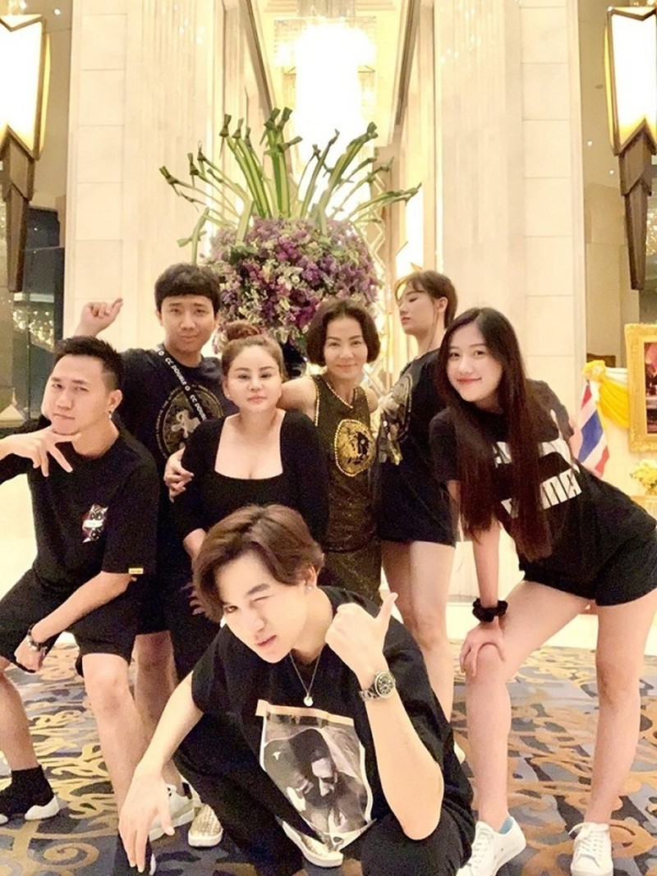 4 hoi ban than sang chanh bac nhat showbiz Viet-Hinh-5