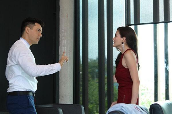 Chong di hat karaoke ve muon, canh tuong ben trong khien ho choang vang-Hinh-2