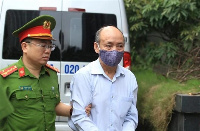 Xu dai an Gang thep Thai Nguyen: Bi cao 72 tuoi noi benh nang, xin khoan hong