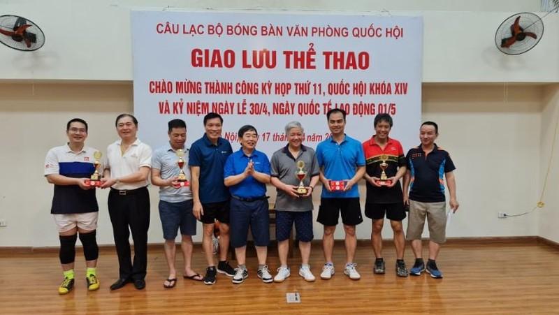 Chu tich VUSTA Phan Xuan Dung giao luu the thao chao mung thanh cong Ky hop 11 Quoc hoi khoa XIV-Hinh-2