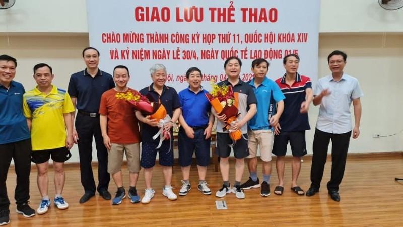 Chu tich VUSTA Phan Xuan Dung giao luu the thao chao mung thanh cong Ky hop 11 Quoc hoi khoa XIV
