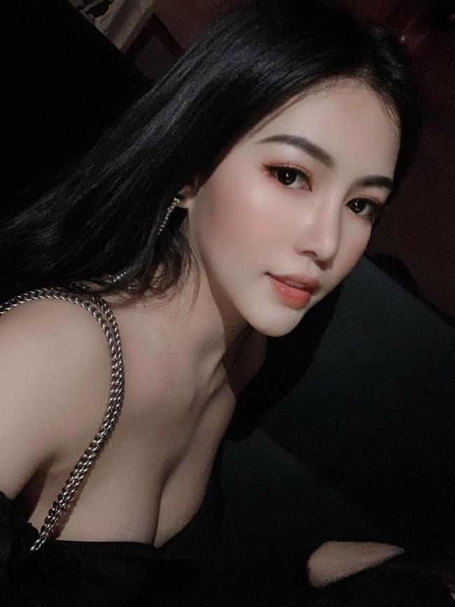 """Tieu thu Quang Binh gia nhap """"duong dua bikini"""", nong bong den ngo ngang-Hinh-6"""