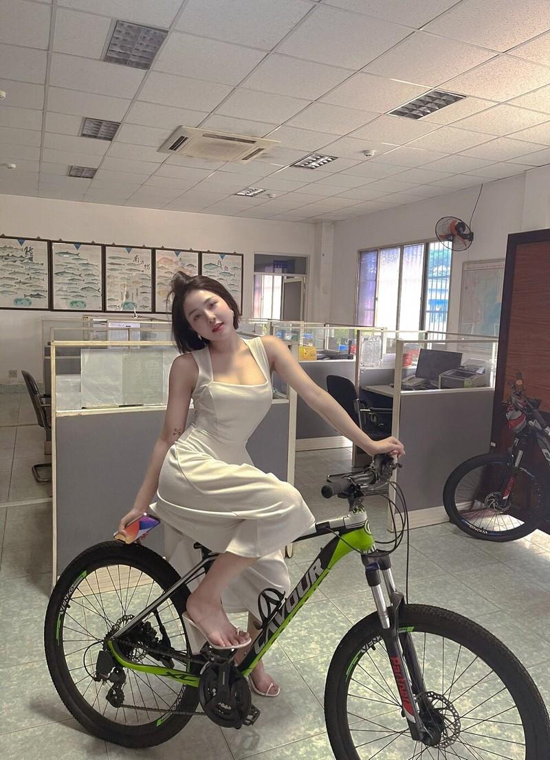 "Hotgirl Tram Anh khoe body ""cang det"" o be boi-Hinh-6"