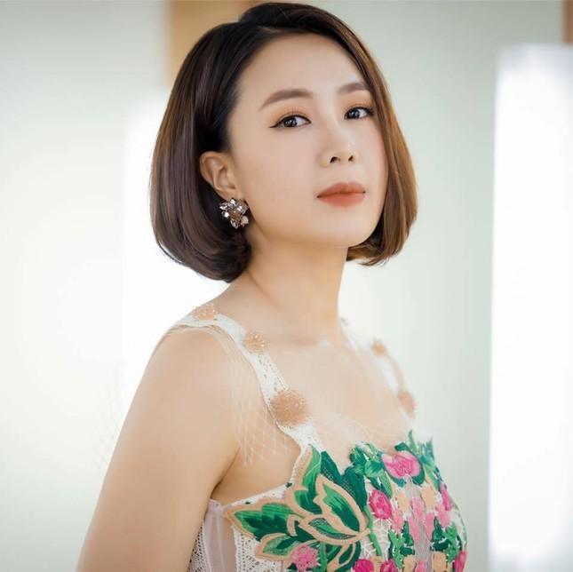 Hong Diem, Luong Thu Trang khoe anh tho au, dan sao binh luan hai huoc-Hinh-5