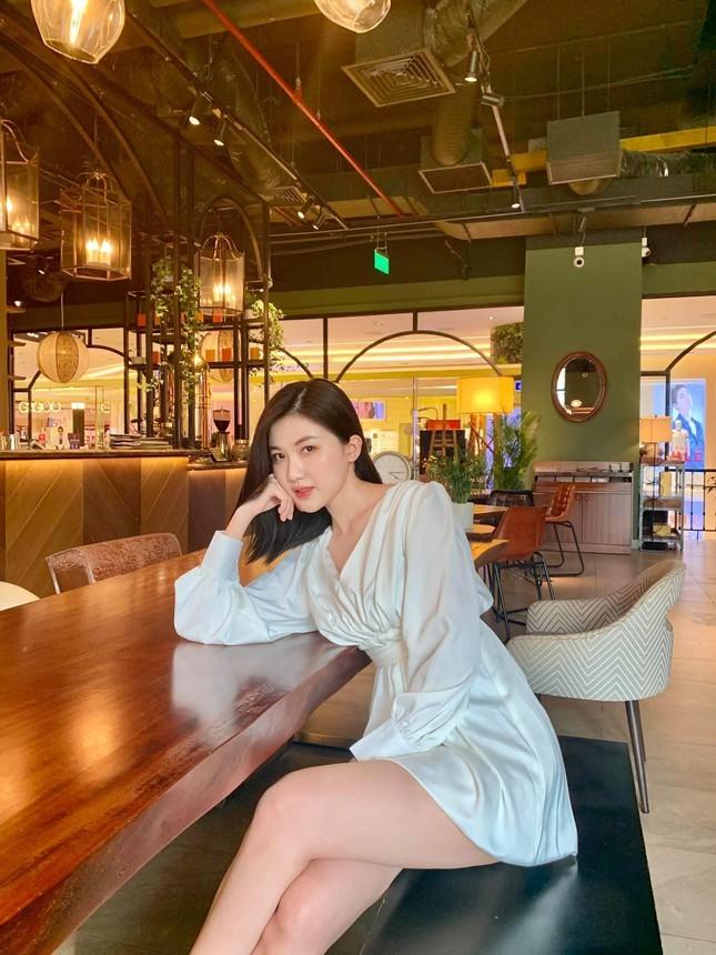 Nhan sac doi thuc cua dan my nhan phim truyen hinh gio vang VTV-Hinh-10
