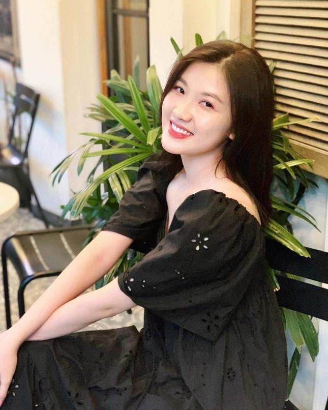 Nhan sac doi thuc cua dan my nhan phim truyen hinh gio vang VTV-Hinh-11