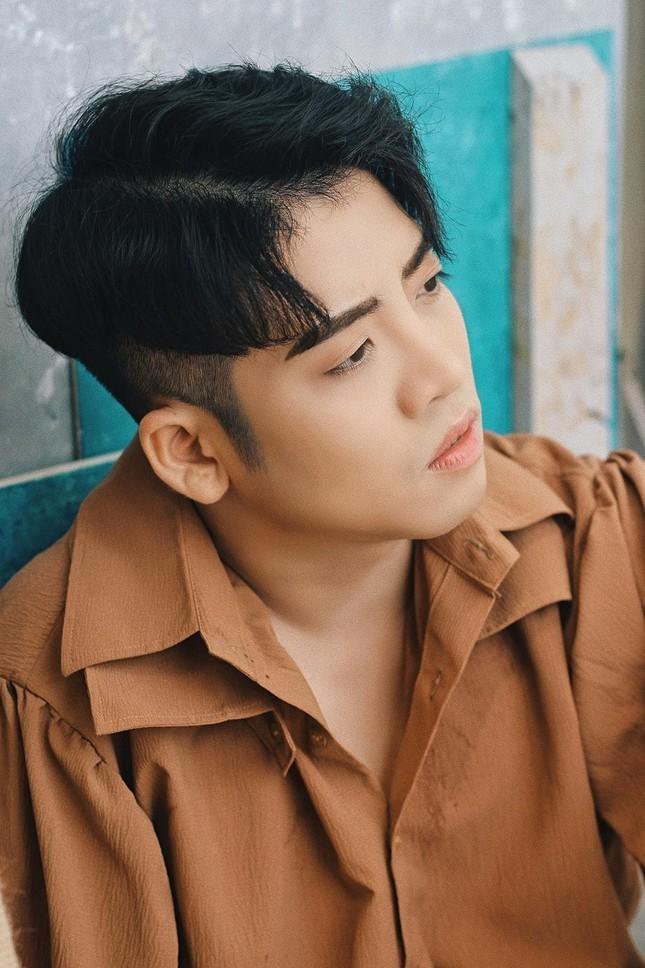 Cau chuyen chang trai tu MC tro thanh nha san xuat chuong trinh-Hinh-5
