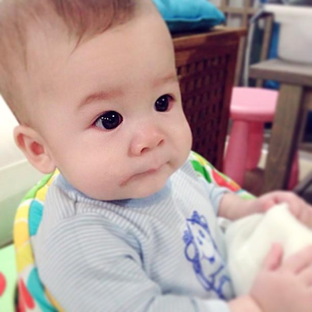 Con trai blogger so mot Singapore khien dan mang phat sot-Hinh-2