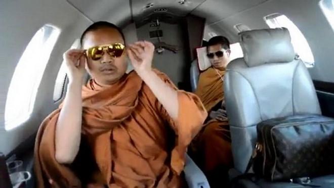 Nhung be boi Phat giao Thai Lan gay rung dong du luan-Hinh-3