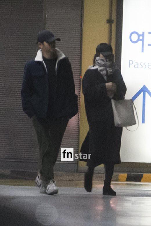 Song Joong Ki - Song Hye Kyo giu khoang cach sau ky trang mat-Hinh-2