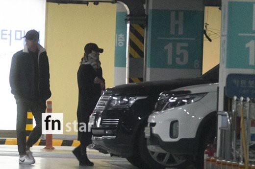 Song Joong Ki - Song Hye Kyo giu khoang cach sau ky trang mat-Hinh-4