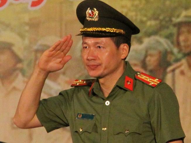 Dai ta Vu Hong Van phat lenh, hon 1.000 canh sat ra quan tran ap toi pham o Dong Nai
