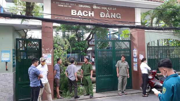 Gan 30 hoc sinh bi thuong, 1 em da tu vong do cay do de-Hinh-3