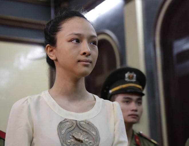 Hoa hau Phuong Nga van bi truy to toi lua dao
