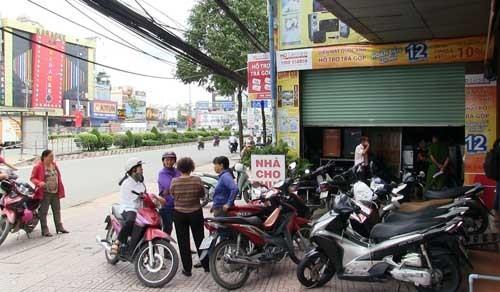 "Diem nong 24h: Dinh chi PCT phuong ""hanh"" dan xin giay chung tu-Hinh-2"