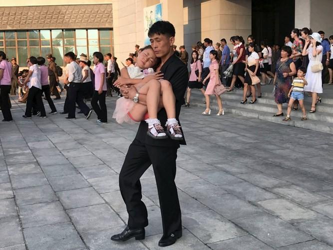 "Diem nong 24h: Dinh chi PCT phuong ""hanh"" dan xin giay chung tu-Hinh-5"