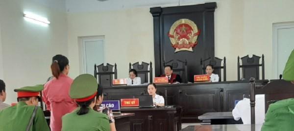 """Xet xu vu an lua dao chiem doat tai Bac Kan: Chu toa phien toa co dang """"lam quyen"""" lam trai phap luat?"""