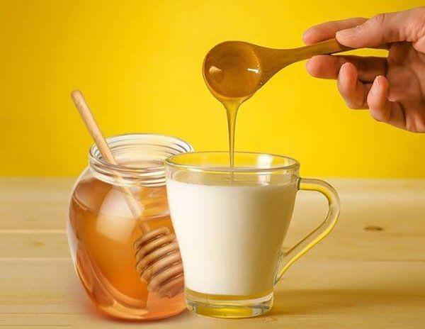 6 cach duong da bang mat ong hieu qua hon uong collagen-Hinh-5