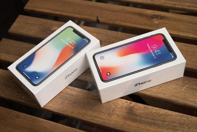 Mot tuan iPhone X ve nuoc: Ban chay, gia that thuong-Hinh-2