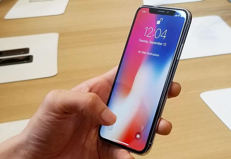 Apple khac phuc loi iPhone X te liet khi troi lanh