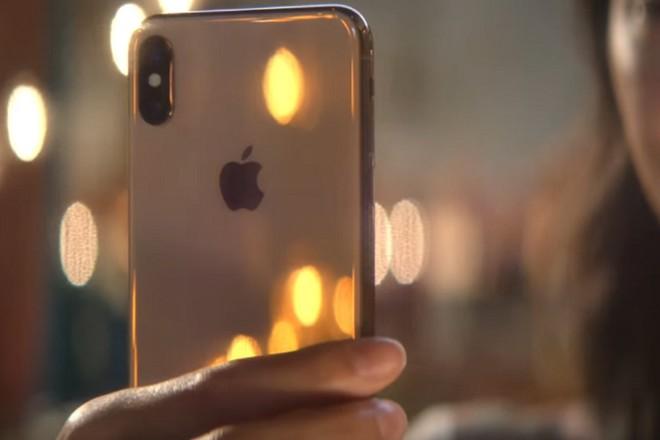 "Giua ""tam bao"" iPhone Xs, Xs Max, nguoi dung van mong cho iPhone Xr-Hinh-2"